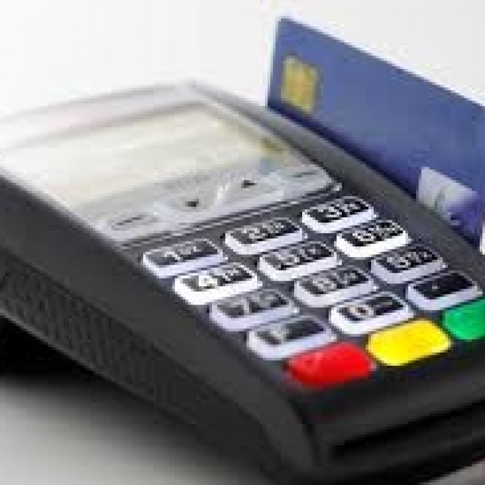 Is there a possibility of paying with a debit or credit card in your place?